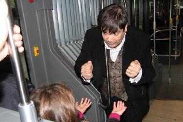 close up magique dans les bus... Une nouvelle approche de la magie